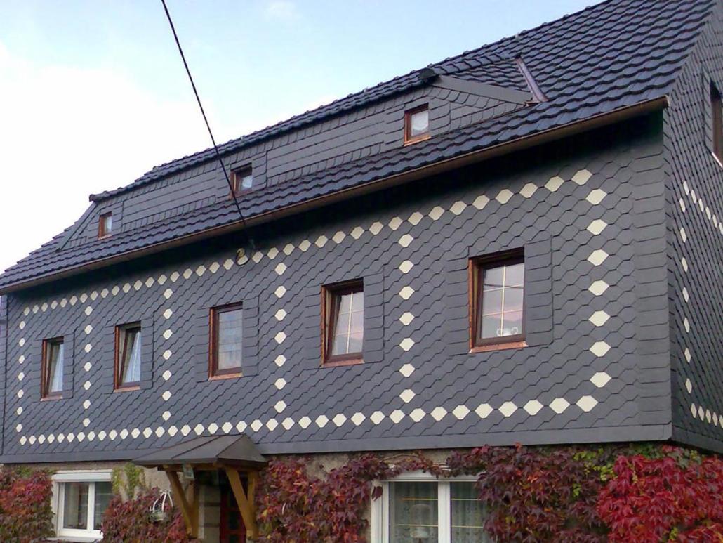 Fassadenverkleidung in Naturschiefer