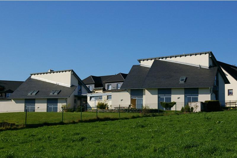Naturschiefer Rechteck-Doppeldeckung, Architektenhäuser